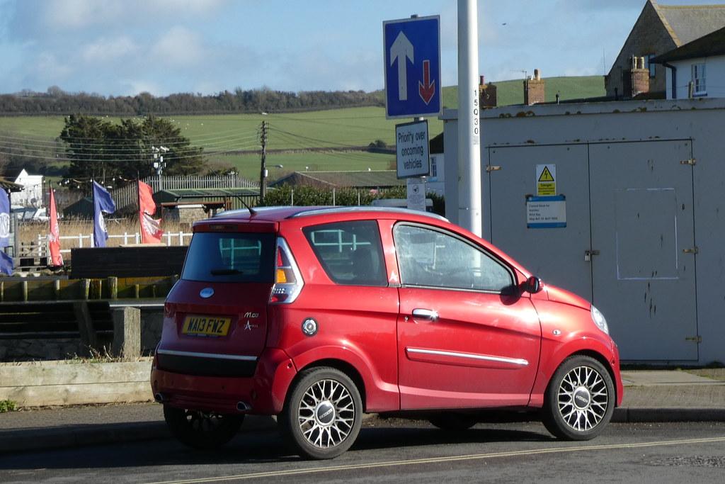 voiture sans permis rouge